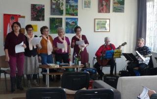 Spotkanie uczestników zajęć muzycznych, zespół muzyczny - Klub Seniora Platyna w Tychach